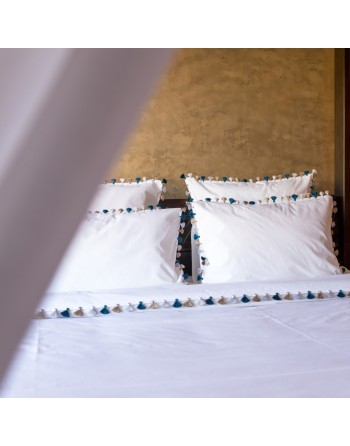Handmade Pompons Bed Sheets